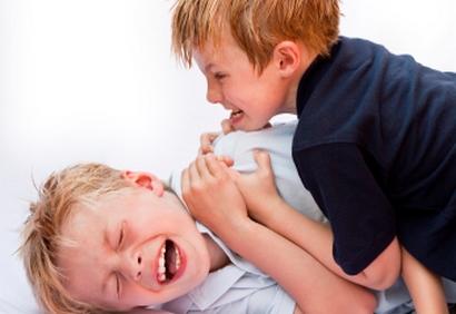 agressivite jeune adulte